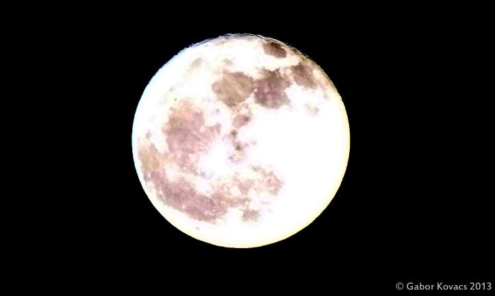 full moon © Gabor Kovacs 2013