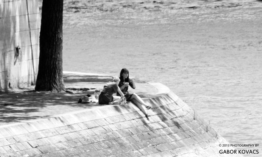 Picnic by the Seine - B&W (c) Gabor Kovacs 2013