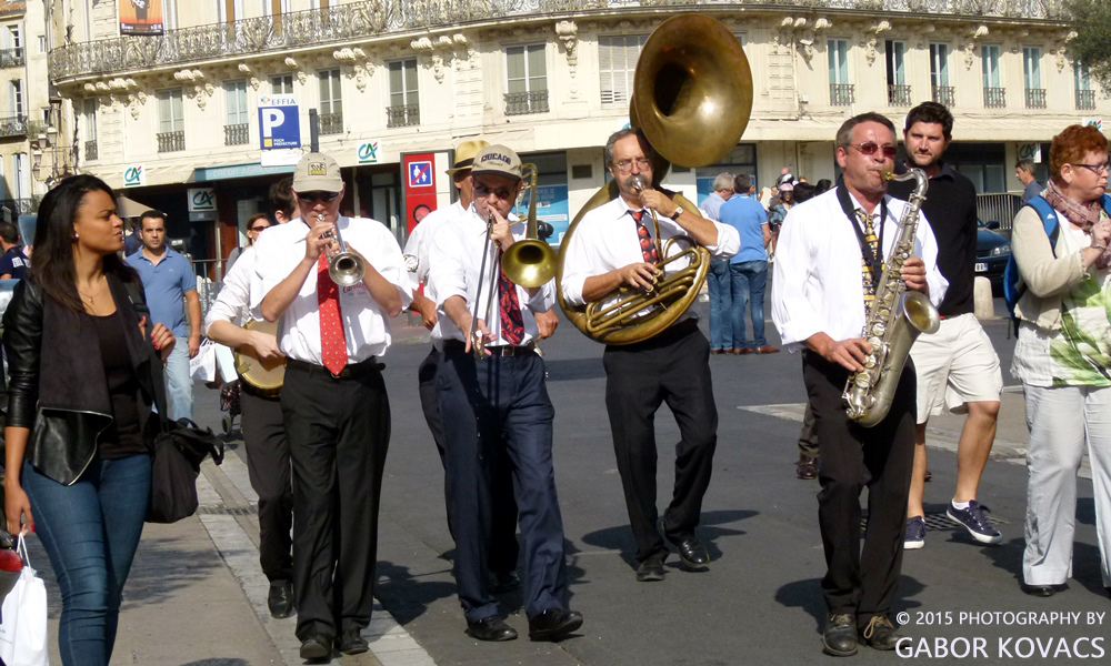 street band 3, Montpellier © 2015 PHOTOGRAPHY BY GABOR KOVACS